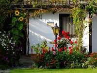Grădină în fața casei. puzzle
