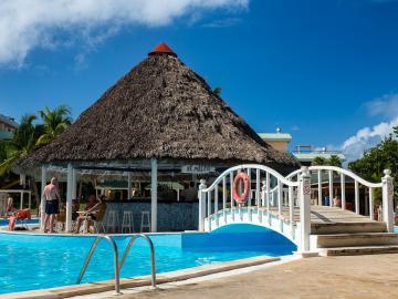 Bar de la piscine. - Bar de la piscine. Cuba.