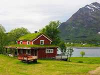 Maison près du fjord. - Norvège. Maison près du fjord.