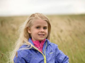 small child - I'm such a pretty girl