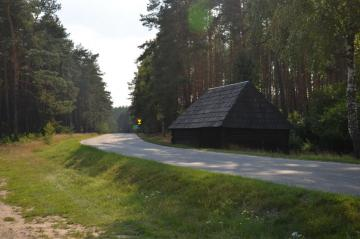 Old cottage - Old cottage by the road, Brusiek province. Śląskie - the area of a historic cemetery from th