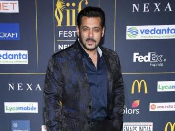 Salman Khan - Przystojny Salman na gali.