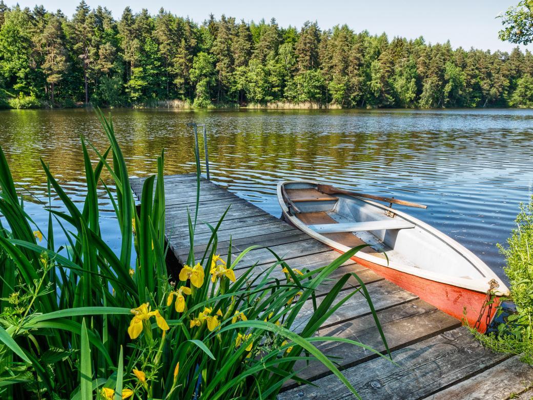Barca al molo. puzzle