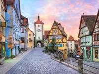 Rothenburg colorido. - La ciudad de rothenburg en baviera.
