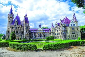 Castle in Moszna. - Castle in Moszna. Built in the eighteenth century.