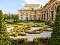 Jardín en Wilanów. - El jardín del palacio en Wilanów.