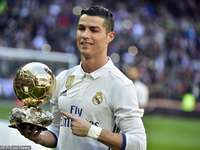Ronaldo with the cup - footballer, Ronaldo with the cup