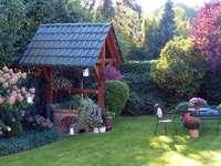 Un loc liniștit. - Un loc liniștit în grădină.