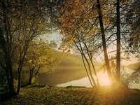 ακτίνες του ήλιου - φθινόπωρο, λίμνη, ηλιαχτίδες
