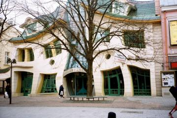 Crooked House. - Crooked House in Sopot.