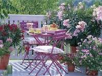 Romantisch balkon - Zeer nodigt u uit voor de bijeenkomst.