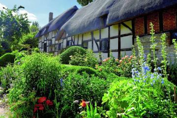 English garden. - A garden in Stratford, the birthplace of Shakespeare.