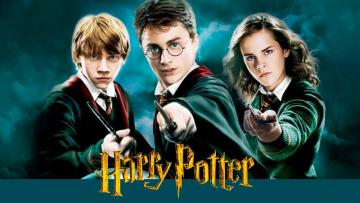 HARRY POTTER - HARRY POTTER AND THE WORLD OF HOGWARTS