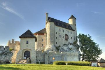 Bobolice. - The castle was originally founded in the 14th century. Then it was expanded. It is located on the Ea