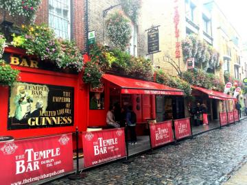 Pub in Ireland. - The Temple Bar in Dublin.