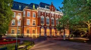 "Jagiellonian university. - That is Krakow's ""Jagiellonka""."