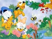 Детството на Доналд, пъзел игра - Доналд и пчелите. Приказна пъзел игра. Игра-пъзел за де�