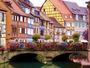Colmar. Francja. - Malowniczy Colmar we Francji.