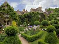Engelse tuin. - Intensywności zieleni można im pozazdrościć