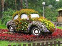 Un vehículo floral.
