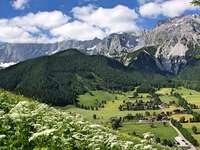 Австрийско село в планината