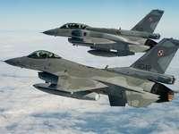 F-16 αεροσκάφη. - Οχήματα: F-16 αεροσκάφη.