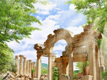 Ancient ruins. - Landscapes: ancient ruins.