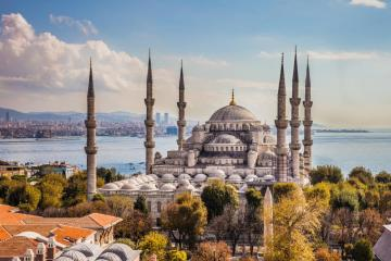 Istanbul, Turkey for vacation - Istanbul is a kind of gate between Europe and Asia. Istanbul is the only city in the world, lying on