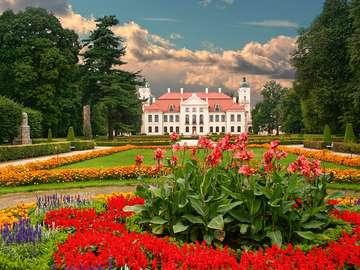 Kozlowka. - Palace and garden in Kozłówka.