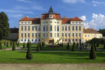 Palace in Rogalin. - Buildings: the palace in Rogalin.