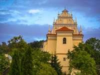 Kazimierz Dolny - Kazimierz se développait grâce à la traversée et à la douane, et donc grâce au commerce.