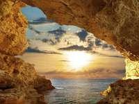 oceánská jeskyně