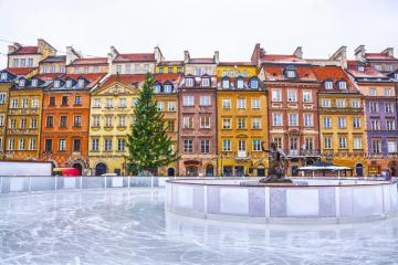 Ice rink in the Old Town. - Ice rink in Warsaw's Old Town.
