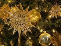 Goldenes Weihnachten - Goldenes Weihnachten