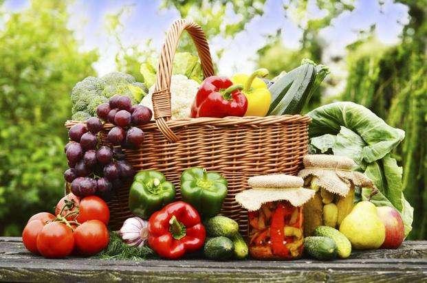 Verduras y frutas en la b - Verduras y frutas en la cesta (9×7)