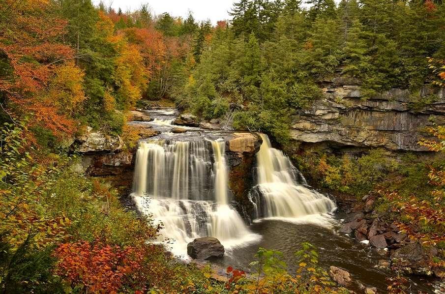 Blackwater Waterfall - Waterfall in Virginia in the USA (12×11)