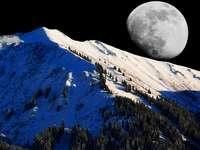 Krajobraz prawie księżycowy . - Krajobraz prawie księżycowy .