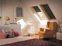 Camera da letto in soffitta - Una grande camera da letto in soffitta.