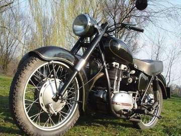 Motocykl - Motor polskiej produkcji o nazwie Junak motor polskiej produkcji o nazwie Junak Motocykl