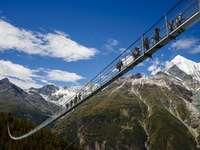 Pont suspendu à Zermatt.