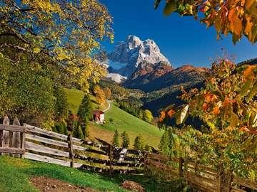Alpejski krajobraz. - Góry. jesień. Alpejski krajobraz.