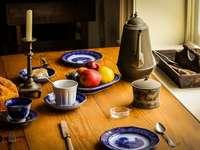 Zabytkowa zastawa stołowa