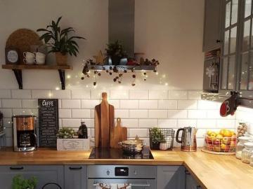 Una bella sistemazione della c - Bella disposizione della cucina, mobili blu.