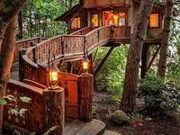 Picturesque tree house. jigsaw puzzle