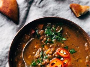 Wegańska zupa - Wegańska zupa, fasola i ciecierzyca.