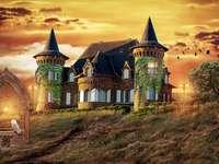 Palatul, fântâna și bufnița. - Atmosfera de basm. Atmosfera de basm. Fantasy.