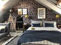 Ένα υπνοδωμάτιο με χειροβομβίδα