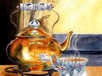 Servizio da tè - Inizia le stoviglie per il tè.