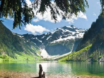 Una giornata di sole in montag - Una giornata di sole in montagna.