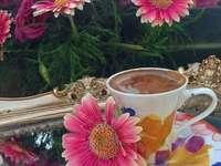 Gerbera's en koffie